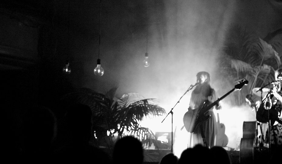 Karina performing at Olohuoneklubi in Gloria, Helsinki. (c) Saara Vuola