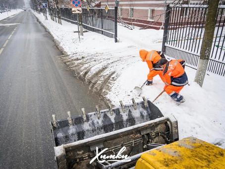 Более 140 единиц техники задействовано в уборке улиц и дворов Химок