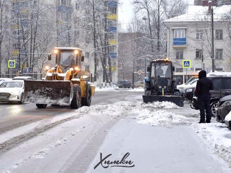 Более 120 единиц техники задействовано в уборке улиц и дворов в Химках