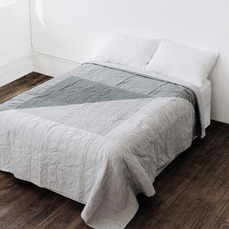 quilt contemporâneo arte têxtil cama quarto tecido artesanal decoração design interiores casa conforto