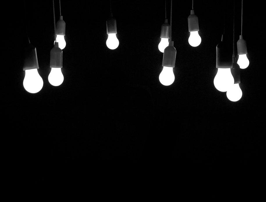 light-bulbs-1765053.jpg