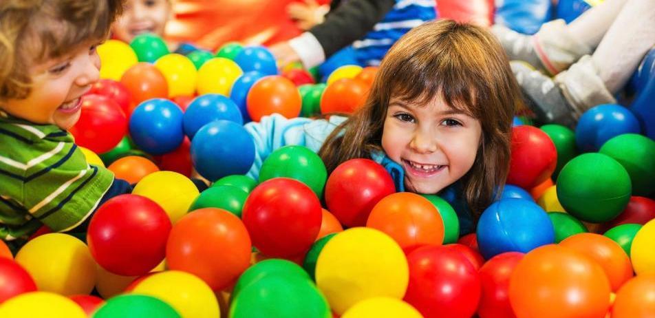 parque de bolas, playground de bolas
