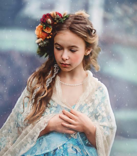 Photo: Bella Vita Creative   Makeup: Natasha Gendron   Hair: Areca Hollinsworth   Dress: Bentley and Lace   Model: Natalie Ertel   Venue: Maplehurst Farms   Flowers: Sustainable Blooms by Garden Treasures