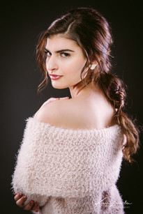 Photo: Kim Lincoln   Makeup: Natasha Gendron   Hair: Areca Hollinsworth   Model: Catherine DiSpigno