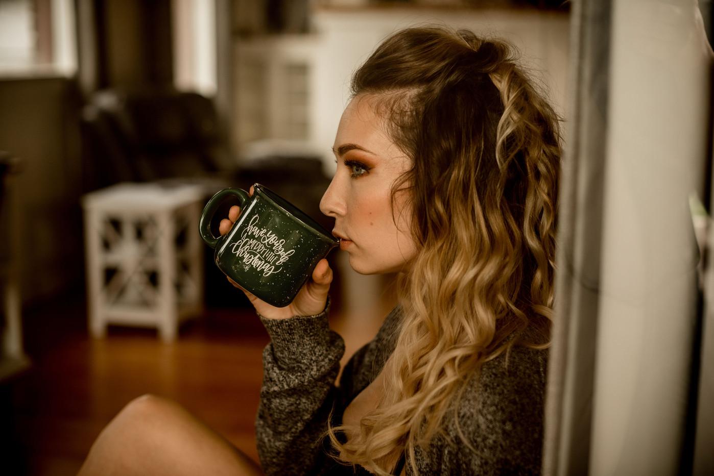 Photo: Rebecca Tulloch | Makeup: Natasha Gendron| Model: Sarah | Hair: Areca Hollinsworth