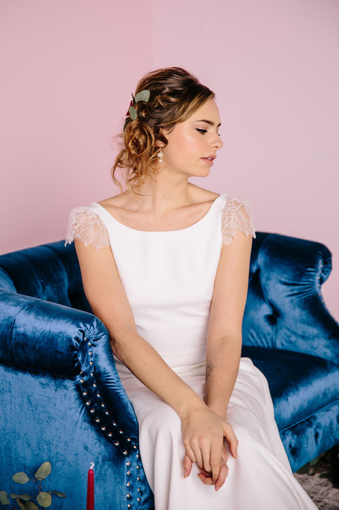 Photo: Tessa Viamonte Photography | Makeup: Natasha Gendron | Hair: Areca Hollinsworth | Model: Mandee Rae | Dress: French Knot Couture | Floral: Wandering Blooms