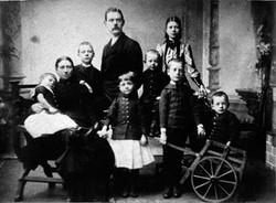 Adrianus (1854) en zijn gezin