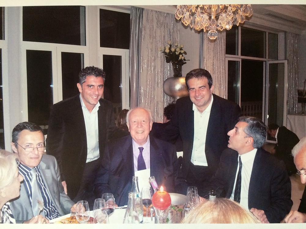 Jean-Claude GAUDIN maire de MArseille et les associés de Comptoir des Salaisons - 2010