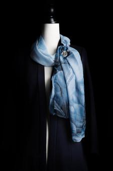long blue scarf2.jpg