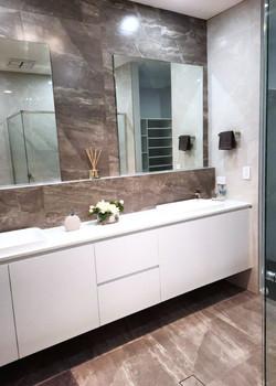 Caddeh Hill Bathroom Cabinetry