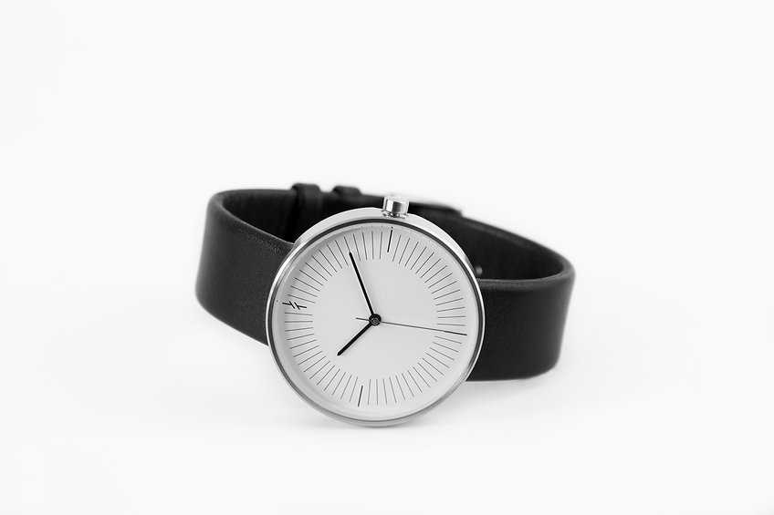 modern watch , everyday watch , simple watch, watches , simpl watch, minimalist watches men watches , design watch , simplify watches , unisex watches , women watches, Creative Watches ,lady watch ,watch store , fashion watch ,silver watch , leather watch , gift idea