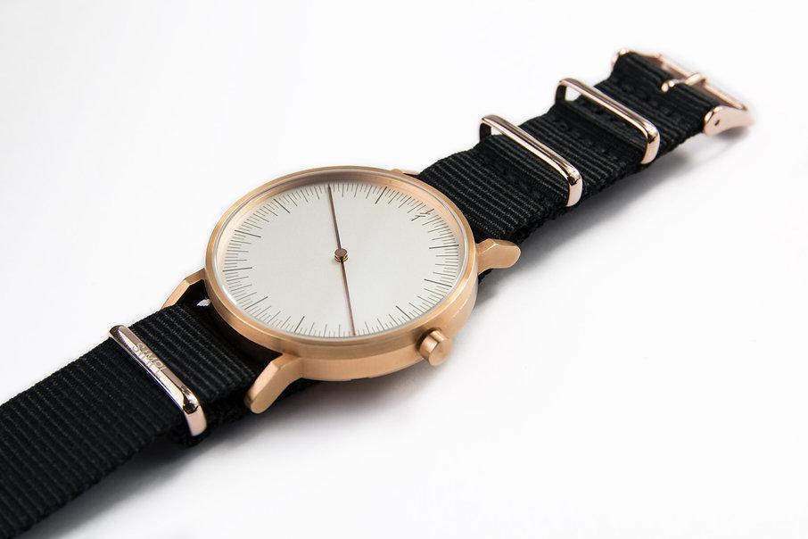 Modern Watches, Simpl Watch , Minimal Watches , Unisex Watches ,design watch , leather strap ,one hand watch , design watch , rose gold watch ,one hand watch ,simpl watches , นาฬิกา simpl , watch store ,modern watch , minimal watches, classic watch , danielwellington