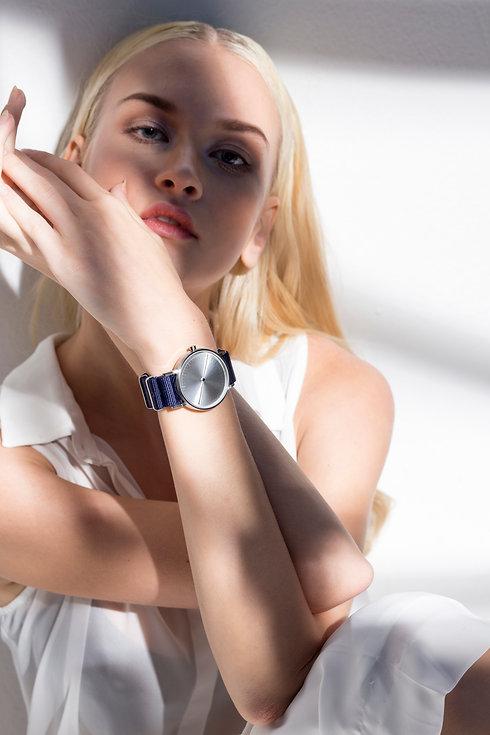 watches ,minimal watch , simpl watch ,one hand watch , modern watch , simplify watches , unisex watches