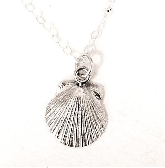 Mini Scallop Necklace