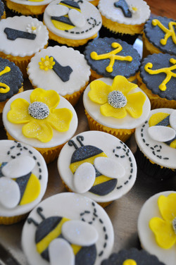Black and Yellow Cupcakes