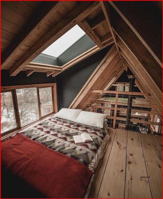 ห้องใต้หลังคา,ตกแต่งห้องใต้หลังคา,ตกแต่งห้อง,ไม้สนแต่งห้อง,ไม้สน