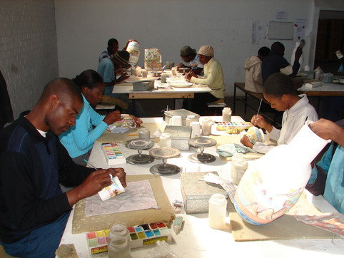 Penzo Studio Zimbabwe Africa Handpainted Pottery Mashona One-of-a-kind African plates and bowls Penelope Vincent