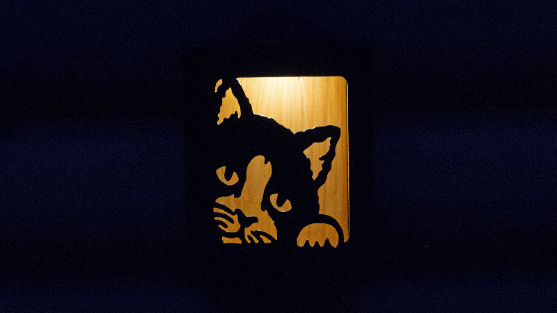 """Peeking cat solar light box  9"""" x 7"""""""
