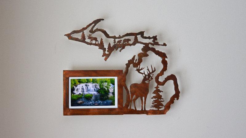 Michigan buck 4x6 matted photo frame
