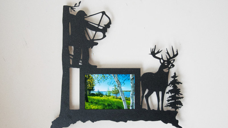 Bowhunter in treestand 5x7 picture frame