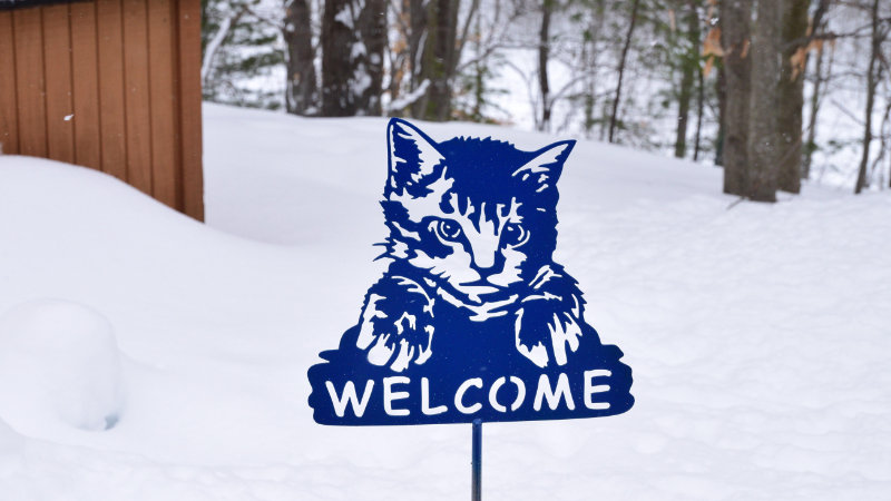 Welcome kitty garden stake