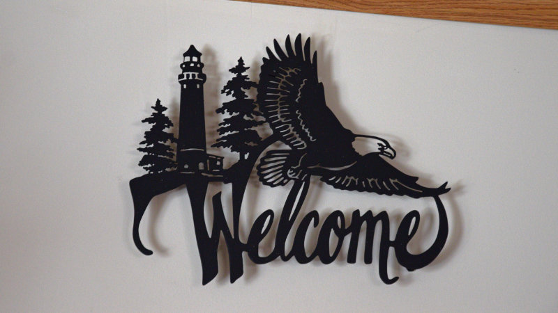 Eagle and lighthouse welcome wall hang