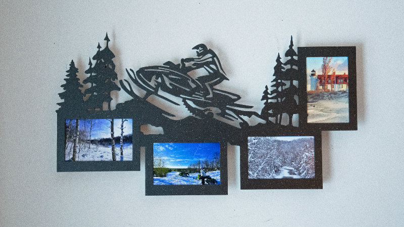 Snowmobiler 4 place picture frame-wall mount