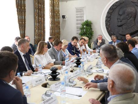 В Общественной палате РФ обсудили условия успешного противодействия коррупции