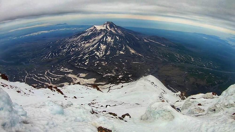 Вид со склонов вулкана Корякский сопки Камчатки