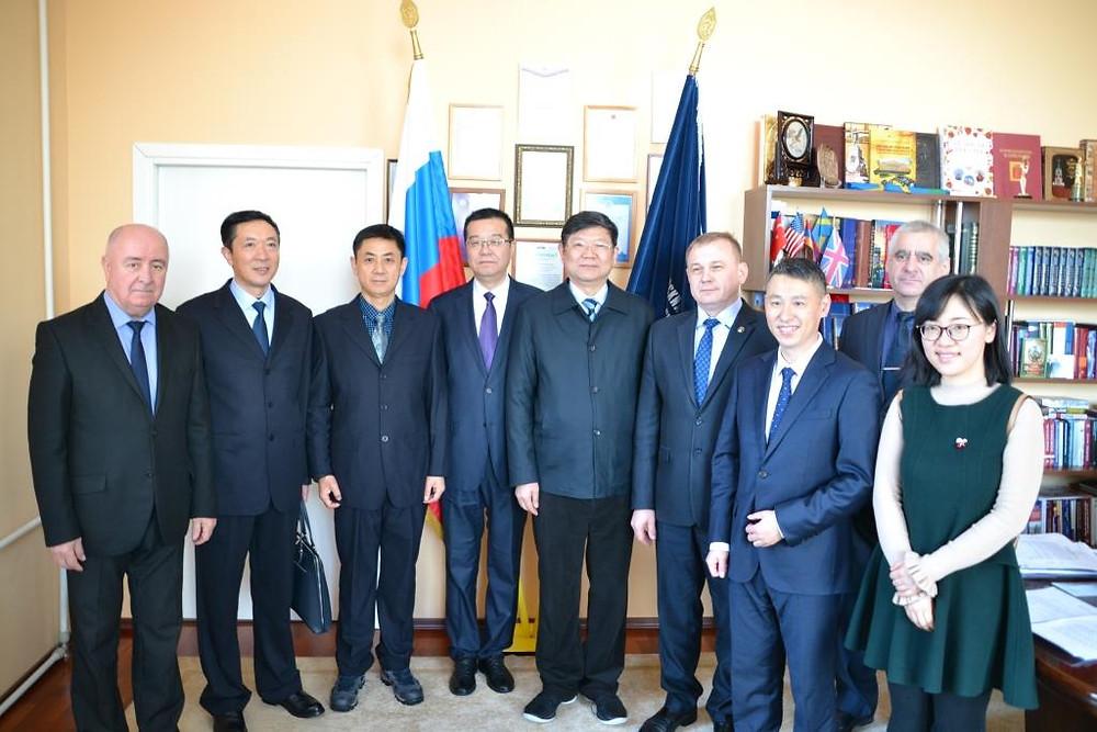 Участники делегации с принимающей стороной