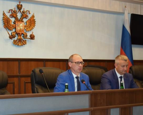 председательствующий общего собрания  А.А. Богомолов и секретарь общего собрания С.С. Вехов