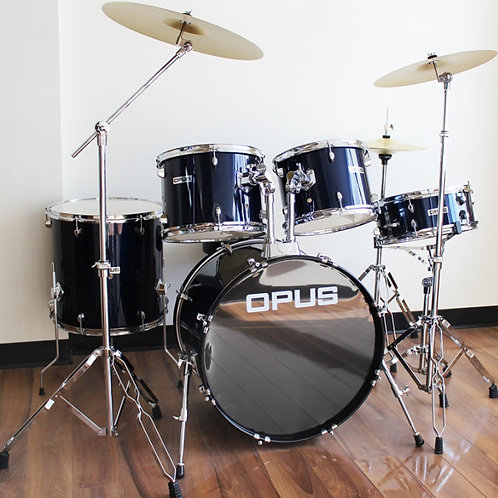 Drum Kit with Hardware