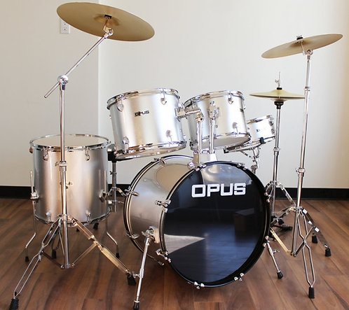 Drum Kit with Hardware Brand New