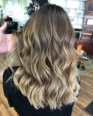 Super pretty balayage ombré! Just look a