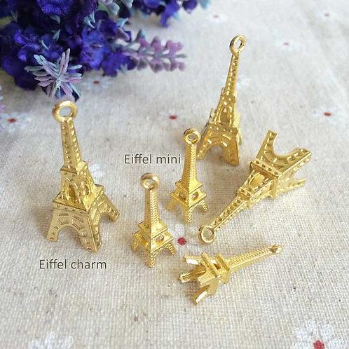 Eiffel charm