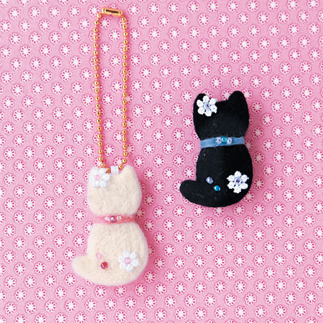 Cat charm & brooch 441-377