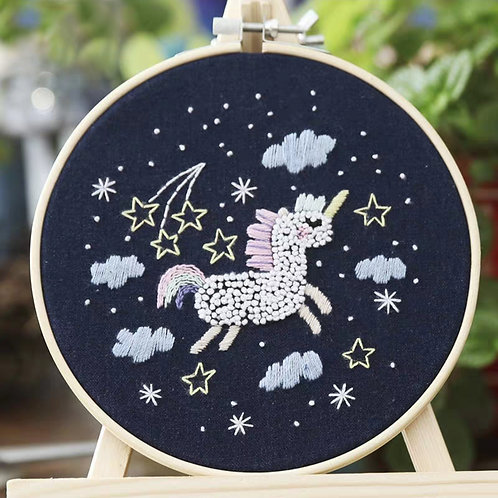 E01-04 Night unicorn