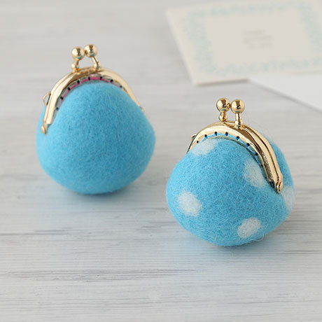 Mini blue pouch 441-395