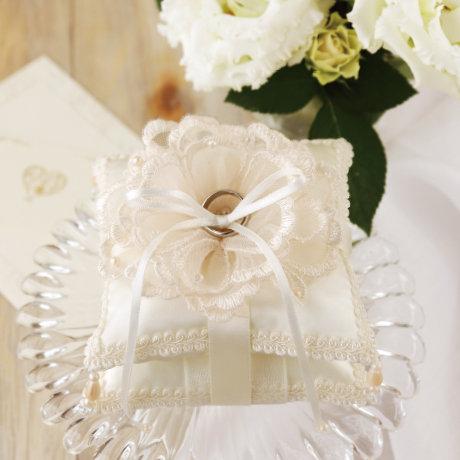 Bouquet lace pillow 431-144