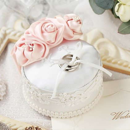 Mini rose ring pillow 431-138