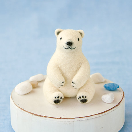 Cute polar bear 441-463