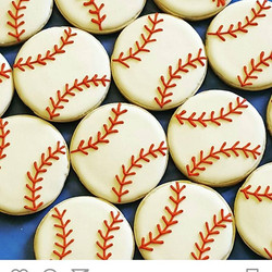 Throwback to these baby shower baseballs! I loved doing these. Go Orioles! ._._._._.jpg