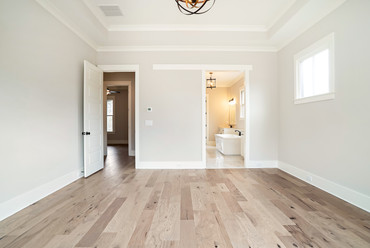 ElevationBuildingCompany-LakeLanier-Palmetto-BedroomBath.jpg