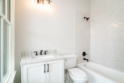 ElevationBuildingCompany-LakeLanier-Palmetto-GuestBath.jpg