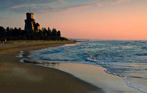 volná pláž u rezidence