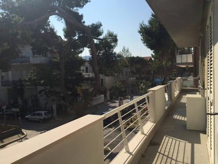 2 patro trilo pohled z balkonu.jpg