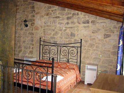 pokoj s manž. postelí 1.jpg