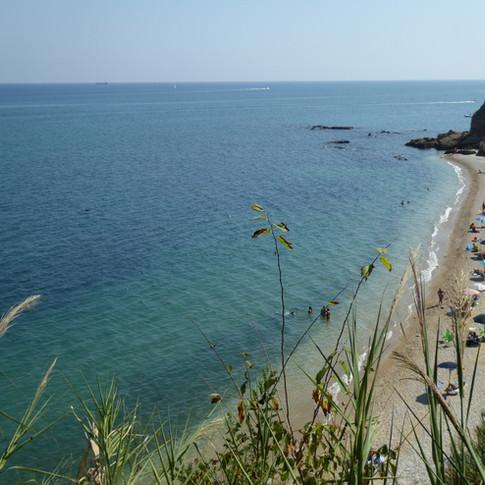 oblázková pláž v Abruzzu.JPG