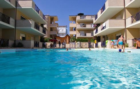 bazén u rezidence Green Bay