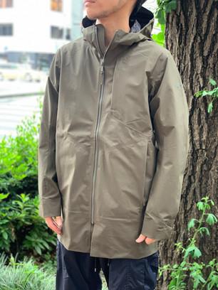 レインコートの新定番〜Sawer Coat〜